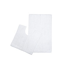 The Fine Linens Company - White bath mat and pedestal set