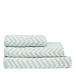 Home Collection - Green and white 'Cosmo' chevron towel