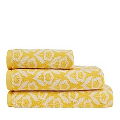 Home Collection Basics - Yellow buttercup print towel