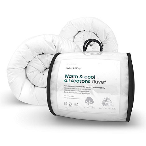 Debenhams - 13.5 tog +Warm and Cool+ hollowfibre all seasons duvet (4.5 + 9 tog)
