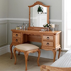 Willis & Gambier - Oak 'Chateau' dressing table with mirror and chair