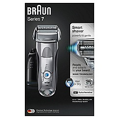 Braun - Series 7 shaver with clean & charge station and travel case