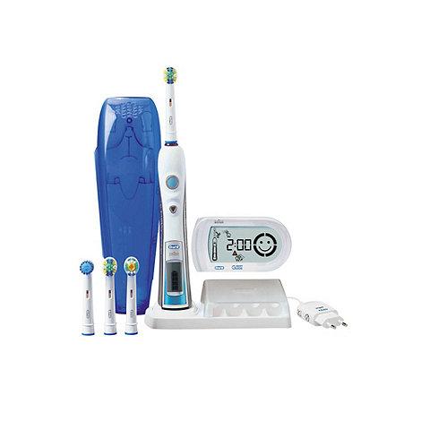 Braun - White +Oral B PC5000+ electric toothbrush