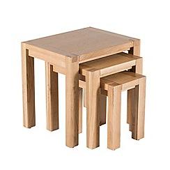 Willis & Gambier - Oak 'Monterey' nest of 3 tables
