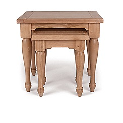 Willis & Gambier - Oak 'Worcester' nest of 2 tables