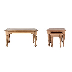 Willis & Gambier - Oak 'Worcester' coffee and nest of tables set