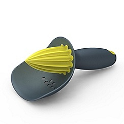 Joseph Joseph - Catcher citrus reamer with pip-catching cup in grey and yellow