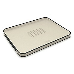 Joseph Joseph - Cut&Carve Plus large chopping board in putty