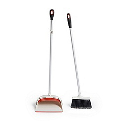OXO - Aluminium 'Good Grips' upright sweep set