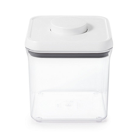 OXO - 2.3ltr large square +Pop+ container