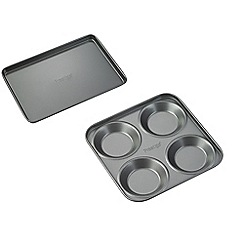 Prestige - Non stick roasting & yorkshire pudding oven trays
