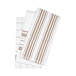 Debenhams - Set of three cream textured hand towels