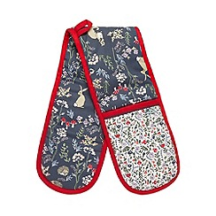 At home with Ashley Thomas - Red woodland print double oven glove