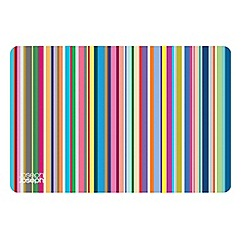 Joseph Joseph - Flexi-Grip silicone chopping mat with thin stripes design