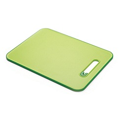Joseph Joseph - Slice&Sharpen large chopping board with integrated sharpener in green