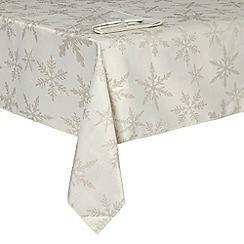 Debenhams - Silver tablecloth and napkin set