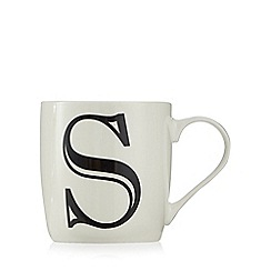 Home Collection - White 'S' letter mug