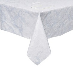 Home Collection - White damask tablecloth and napkin set