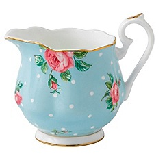 Royal Albert - Fine Bone China Blue spotted rose cream jug