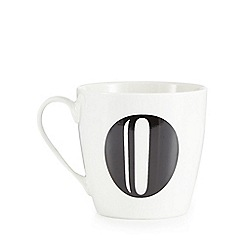 Debenhams - White 'O' alphabet mug
