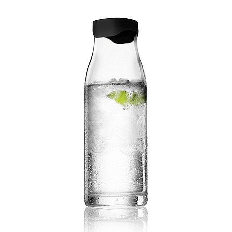 Menu - Clear water carafe