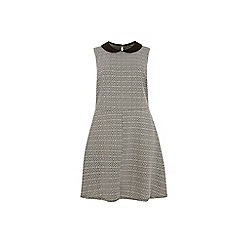 Dorothy Perkins - Curve mono tile fit and flare dress