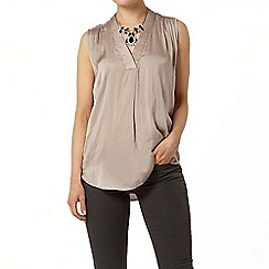 Dorothy Perkins - Taupe satin v front sleeveless top