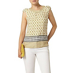 Dorothy Perkins - Yellow tile print t-shirt