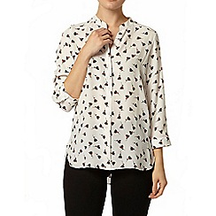 Dorothy Perkins - Ivory leaf print roll sleeve shirt