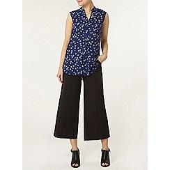 Dorothy Perkins - Navy daisy sleeveless shirt