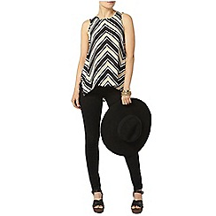 Dorothy Perkins - Black chevron print shell top