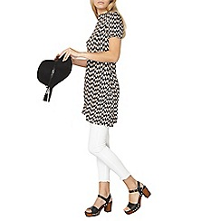 Dorothy Perkins - Geo jersey short sleeve tunic