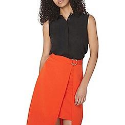 Dorothy Perkins - Black collar sleevless shirt