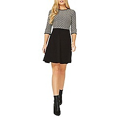 Dorothy Perkins - Black zig zag pattern fit and flare dress