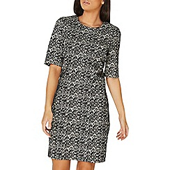 Dorothy Perkins - **Lily & Franc monochrome textured shift dress