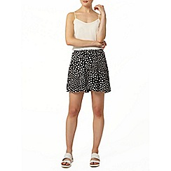 Dorothy Perkins - Black valentine shorts