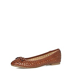 Dorothy Perkins - Tan woven round toe pumps