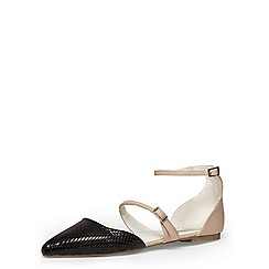 Dorothy Perkins - Nude and black pointed pumps