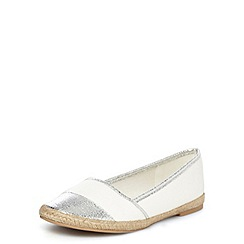 Dorothy Perkins - White and silver espadrilles