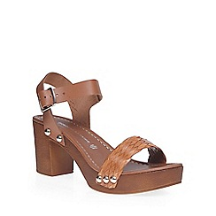 Dorothy Perkins - Tan 'prim' plait wooden clogs
