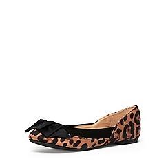 Dorothy Perkins - Leopard suedette round toe pumps