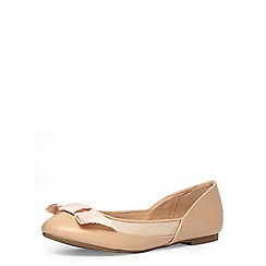 Dorothy Perkins - Nude leather look round toe pumps