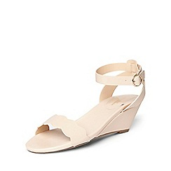 Dorothy Perkins - Nude wide fit 'Wavy' wedges