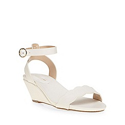 Dorothy Perkins - White wide fit 'wavy' wedge