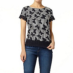 Dorothy Perkins - Stripe butterfly lace hem t-shirt