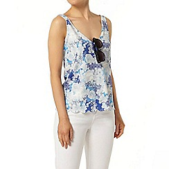 Dorothy Perkins - Blue patchwork scallop vest