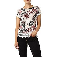 Dorothy Perkins - Oat floral lace trim t-shirt