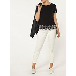 Dorothy Perkins - Black and ecru embroidered hem t-shirt