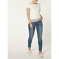 Dorothy Perkins - Ivory and navy embroidered hem t-shirt