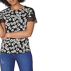 Dorothy Perkins - Black daisy lace t-shirt